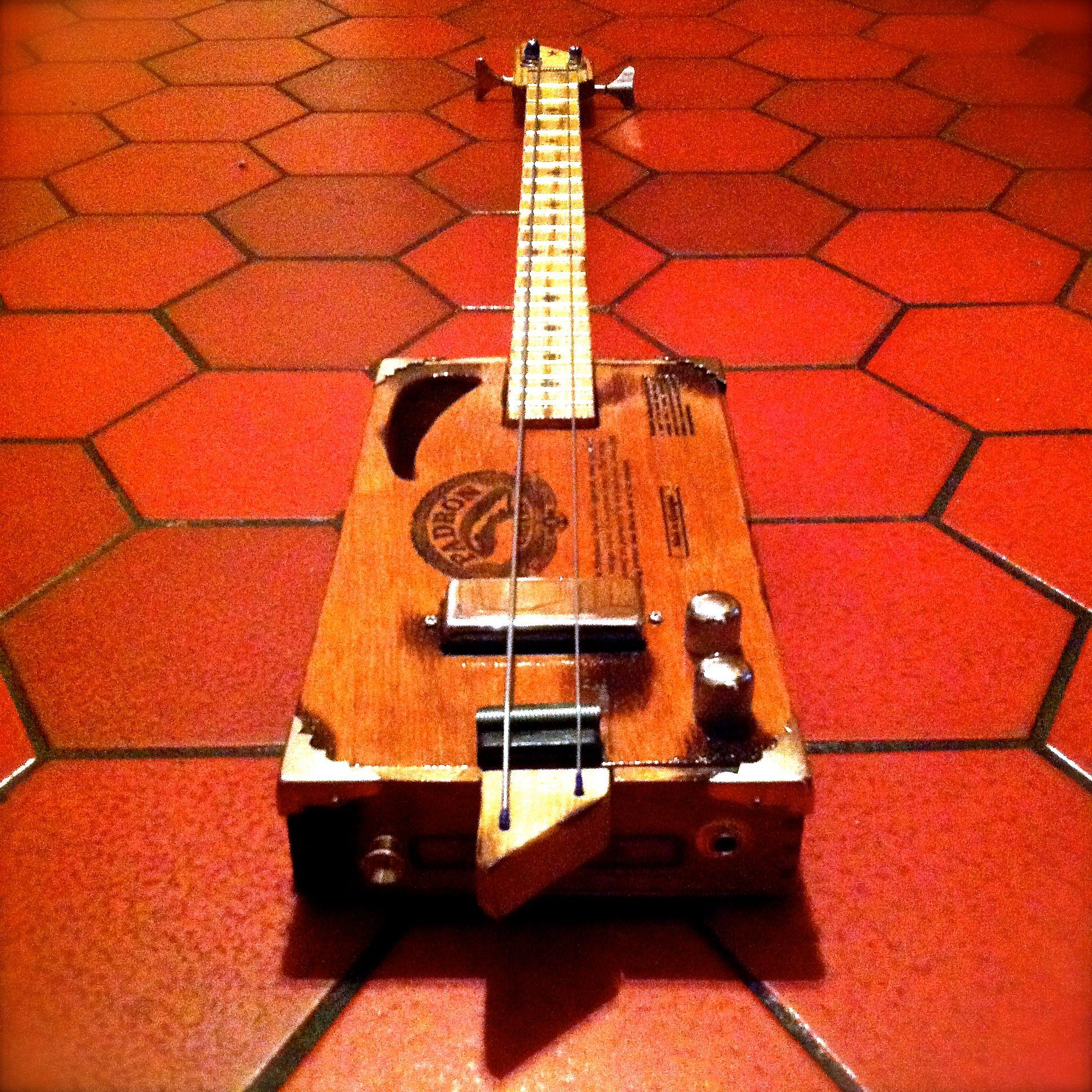 sandman 2 string bass five points instruments. Black Bedroom Furniture Sets. Home Design Ideas